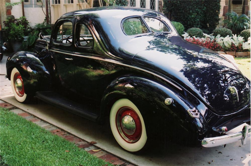 1940 FORD COUPE - Rear 3/4 - 60908