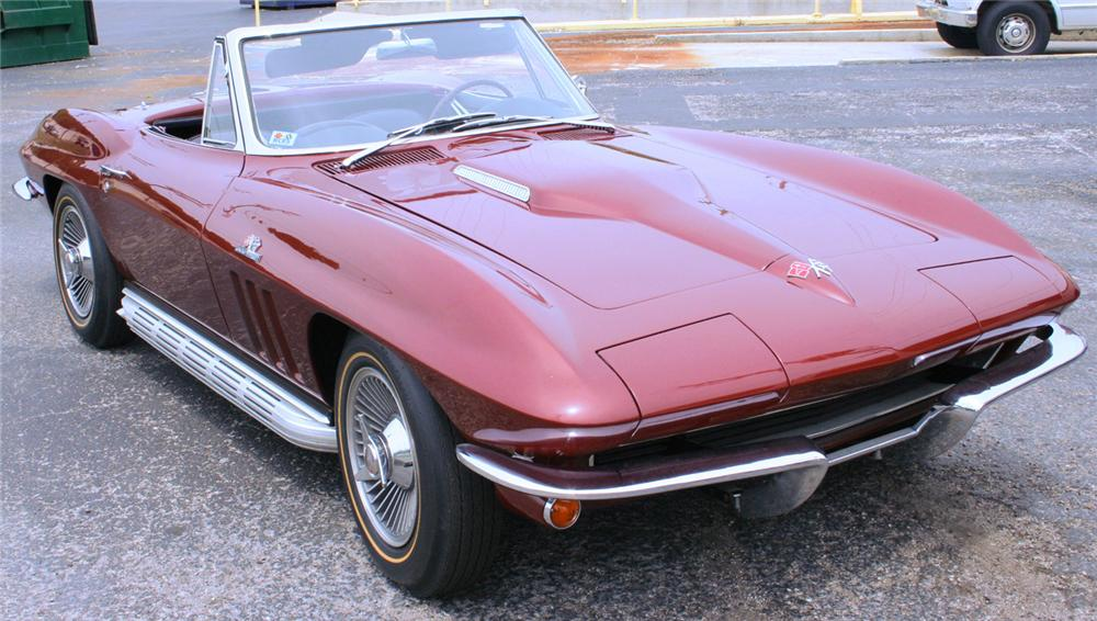 1965 CHEVROLET CORVETTE CONVERTIBLE - Front 3/4 - 60920