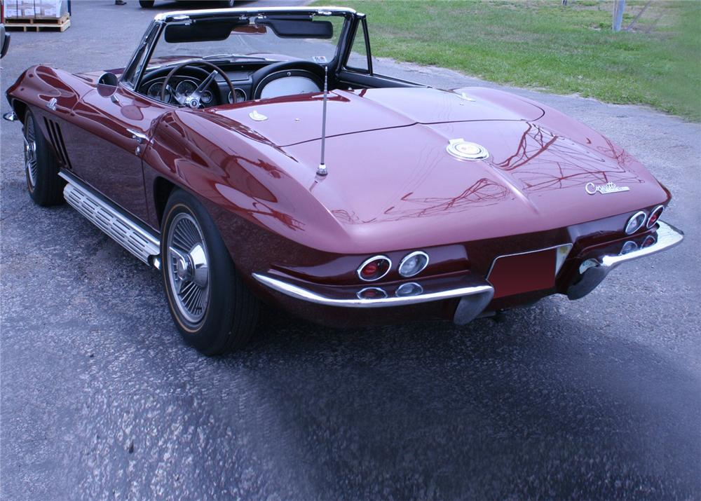 1965 CHEVROLET CORVETTE CONVERTIBLE - Rear 3/4 - 60920