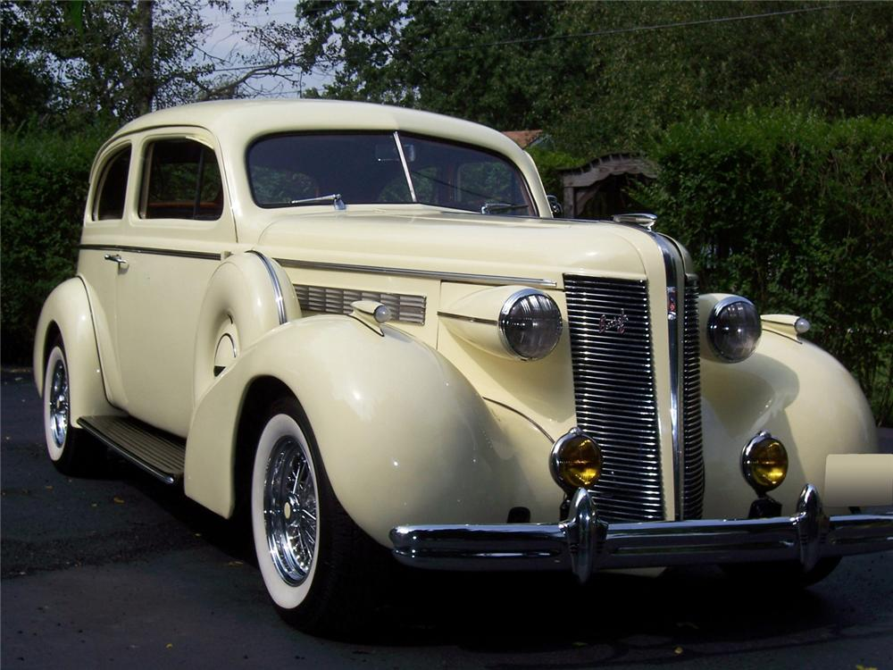 1937 BUICK SERIES 40 2 DOOR SEDAN CUSTOM - Front 3/4 - 60995