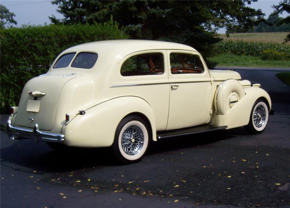 1937 BUICK SERIES 40 2 DOOR SEDAN CUSTOM - Rear 3/4 - 60995