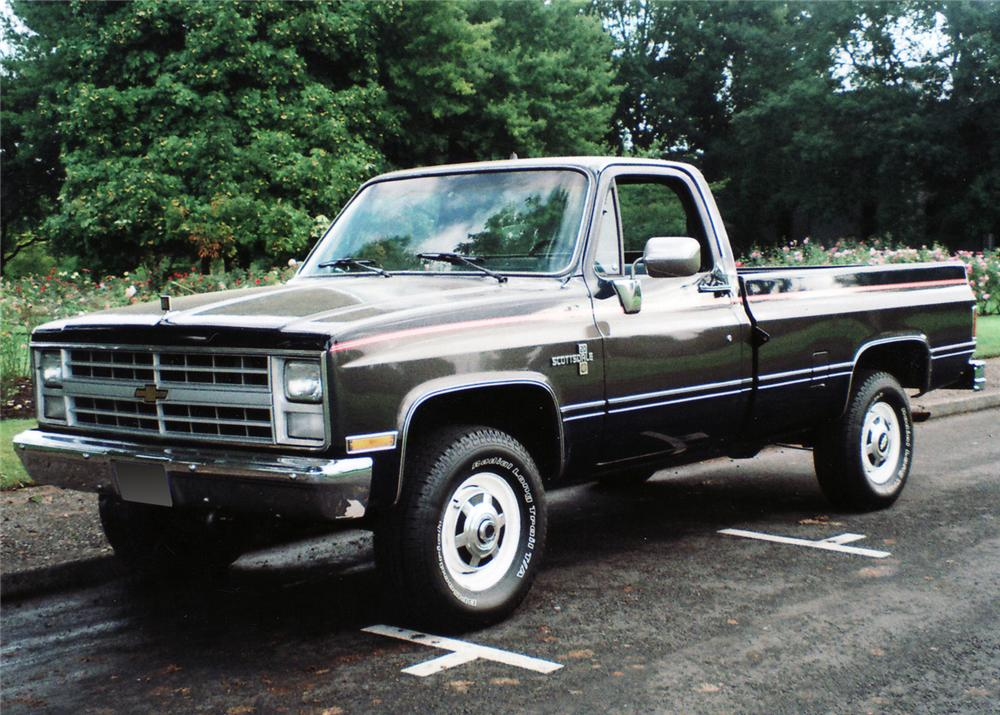 1986 CHEVROLET 2500 4X4 PICKUP - Front 3/4 - 61034