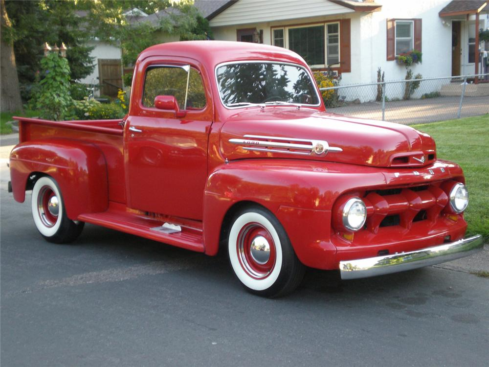 1952 FORD CUSTOM PICKUP - Front 3/4 - 61048