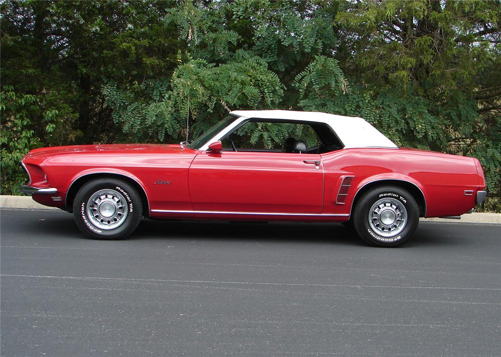 1969 FORD MUSTANG CONVERTIBLE - Side Profile - 61060