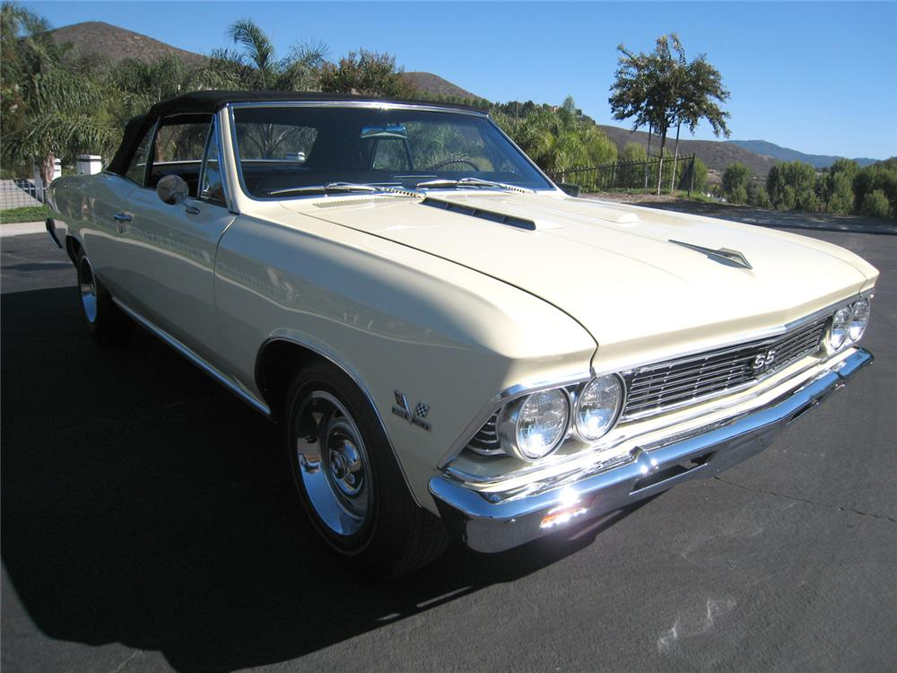 1966 CHEVROLET CHEVELLE SS 396 CONVERTIBLE - Front 3/4 - 61066