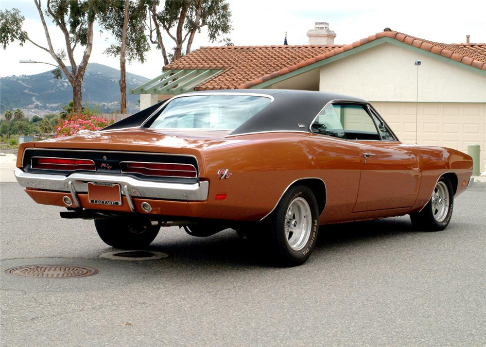 1969 DODGE CHARGER R/T CUSTOM 2 DOOR HARDTOP - Rear 3/4 - 61068