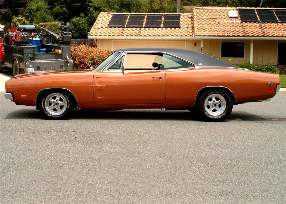 1969 DODGE CHARGER R/T CUSTOM 2 DOOR HARDTOP - Side Profile - 61068