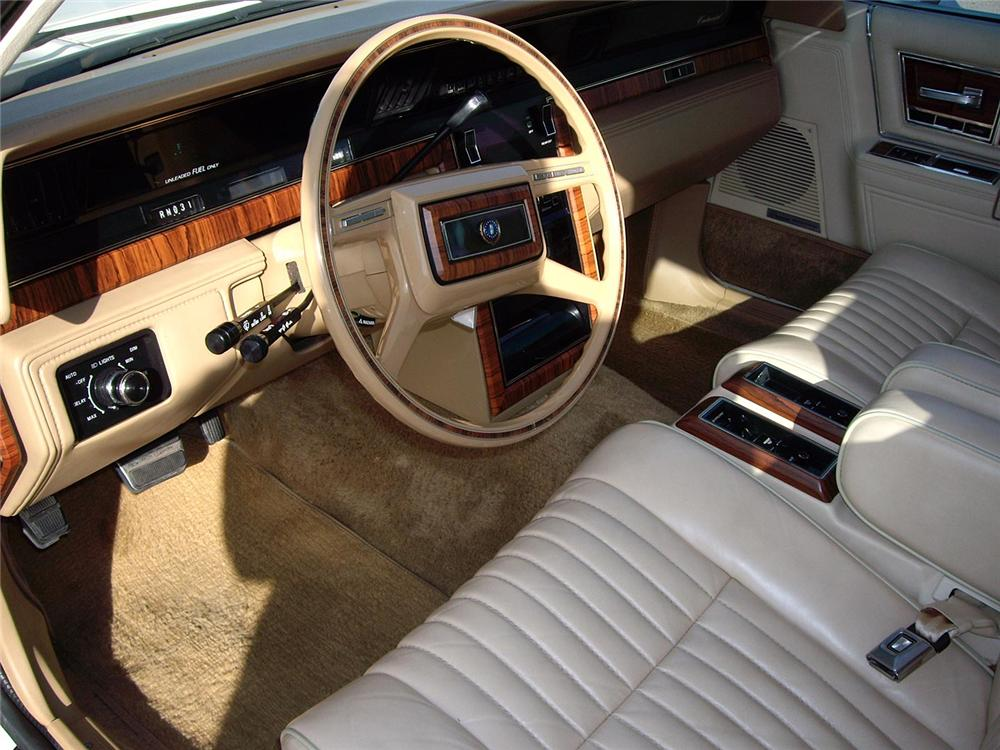 1982 lincoln continental 4 door sedan 61083. Black Bedroom Furniture Sets. Home Design Ideas