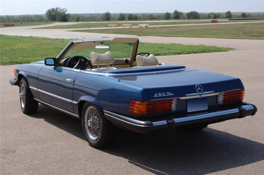 1979 MERCEDES-BENZ 450SL CONVERTIBLE - Rear 3/4 - 61091