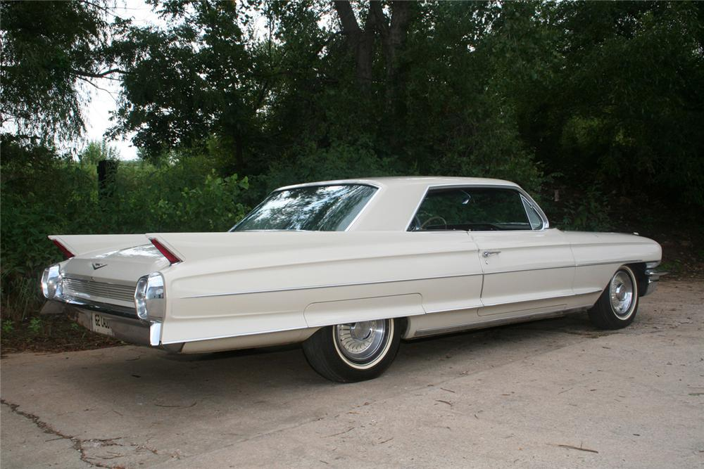 1962 CADILLAC SERIES 62 2 DOOR HARDTOP - Rear 3/4 - 61122