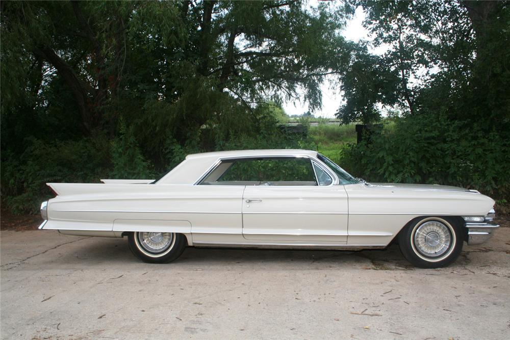 1962 CADILLAC SERIES 62 2 DOOR HARDTOP - Side Profile - 61122