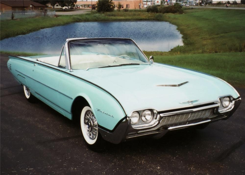 1961 FORD THUNDERBIRD CONVERTIBLE - Front 3/4 - 61125