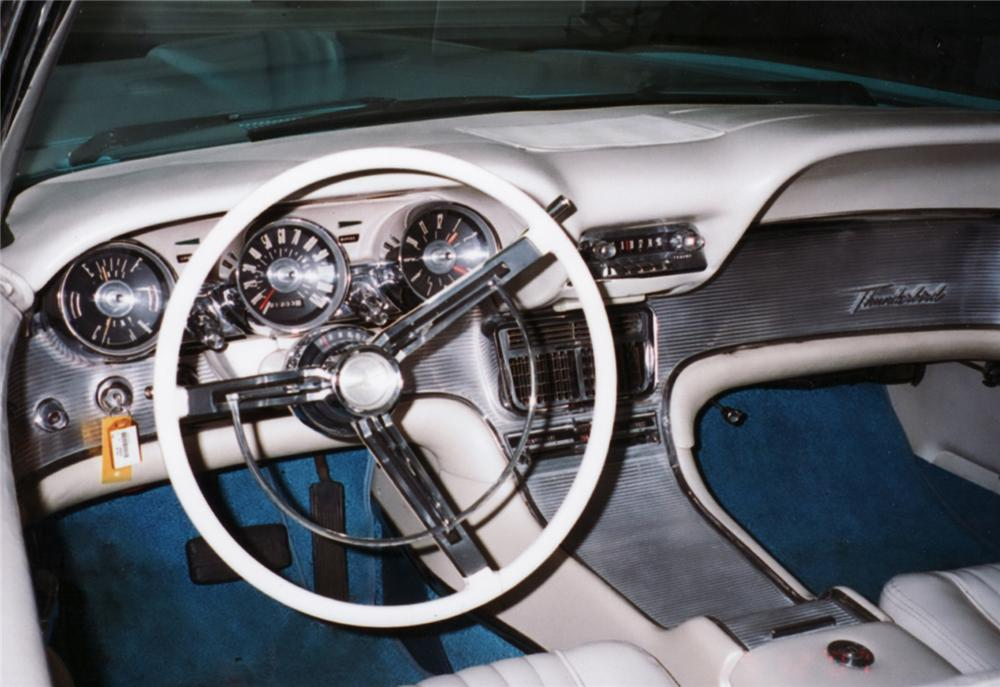 1961 FORD THUNDERBIRD CONVERTIBLE - Interior - 61125