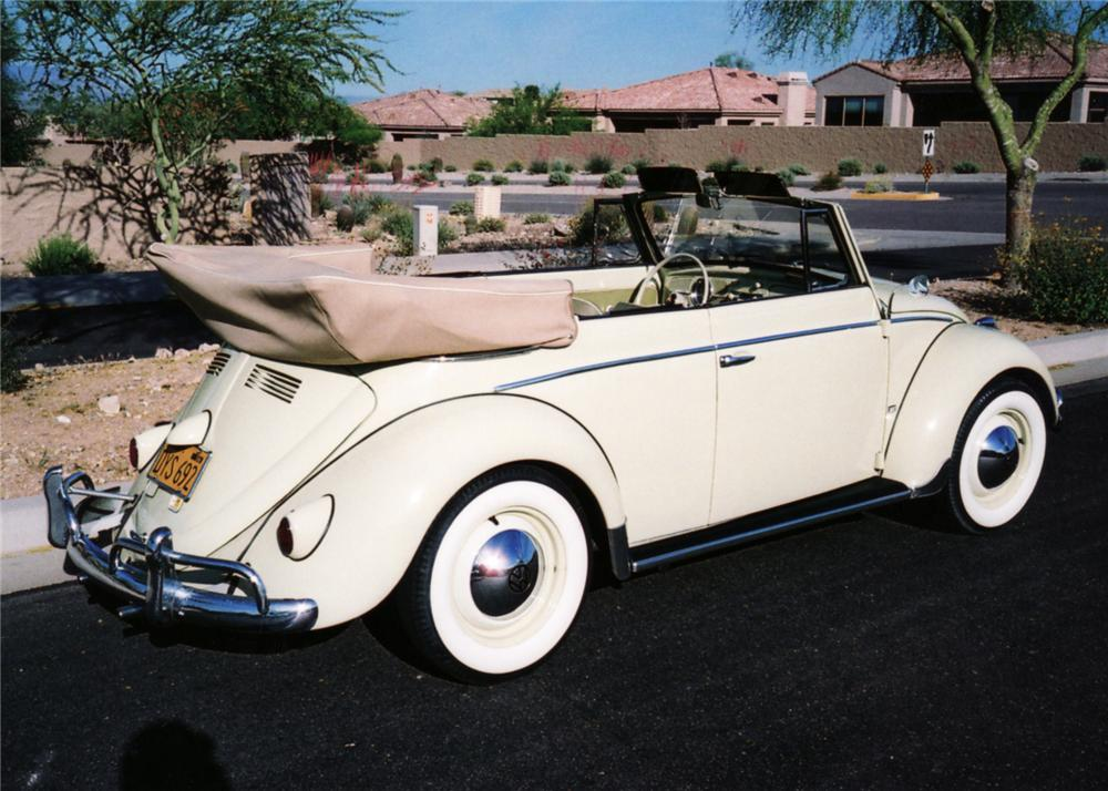 1959 VOLKSWAGEN BEETLE CONVERTIBLE - Rear 3/4 - 61127