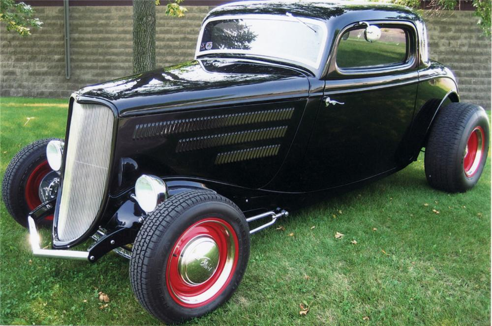1933 FORD 3 WINDOW CUSTOM COUPE - Front 3/4 - 61134