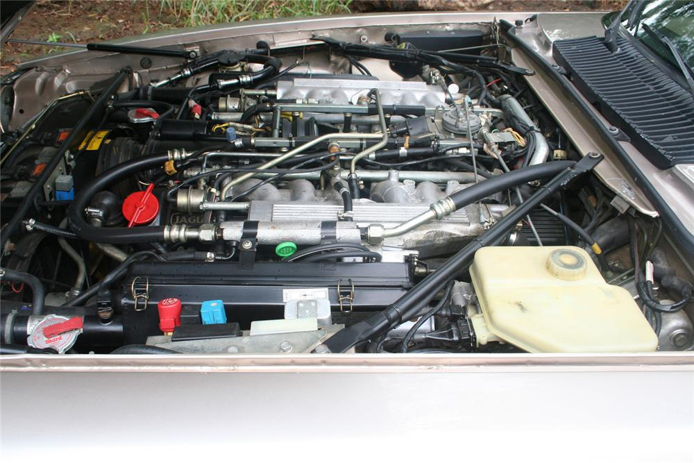1990 JAGUAR XJS CONVERTIBLE - Engine - 61135