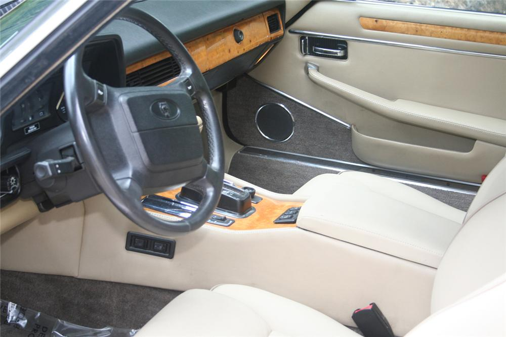 1990 JAGUAR XJS CONVERTIBLE - Interior - 61135