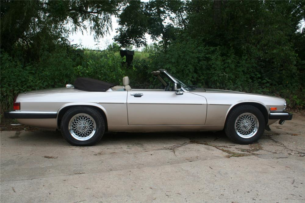1990 JAGUAR XJS CONVERTIBLE - Side Profile - 61135
