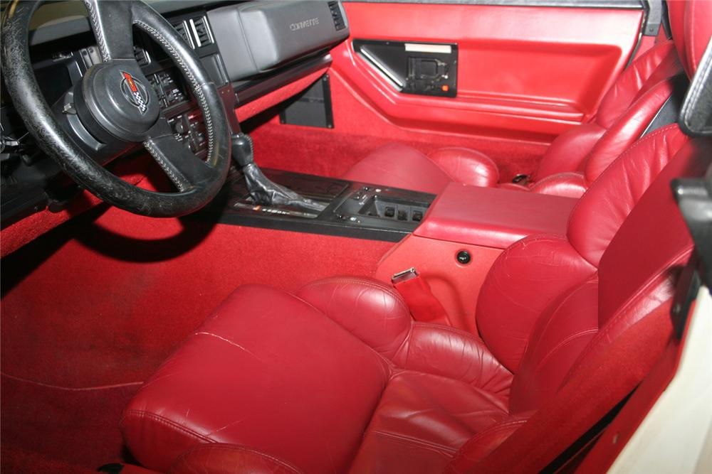 1989 CHEVROLET CORVETTE CONVERTIBLE - Interior - 61142
