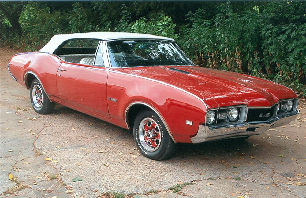 1968 OLDSMOBILE 442 CONVERTIBLE - Front 3/4 - 61143