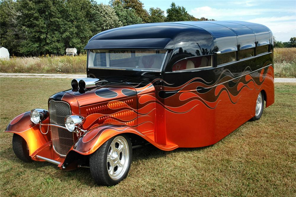 1932 FORD CUSTOM BUS - Front 3/4 - 61162