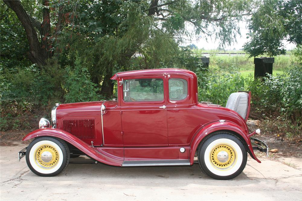 1930 FORD MODEL A CUSTOM COUPE - Side Profile - 61173