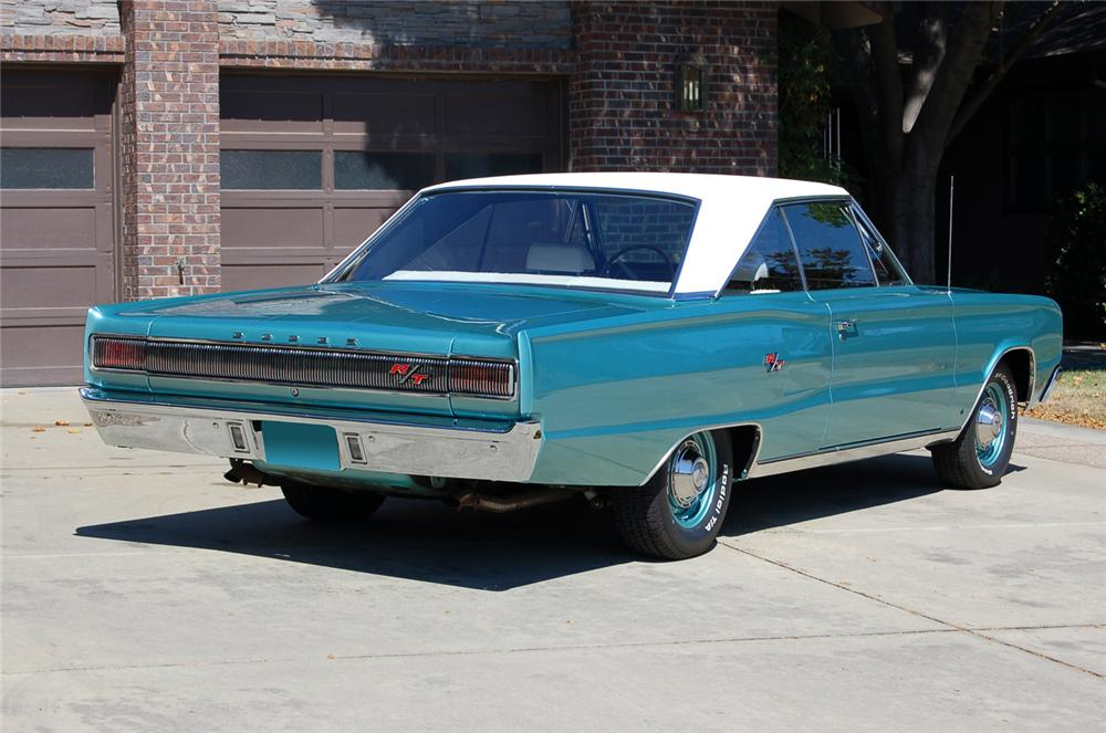 1967 DODGE CORONET R/T 2 DOOR HARDTOP - Rear 3/4 - 61223