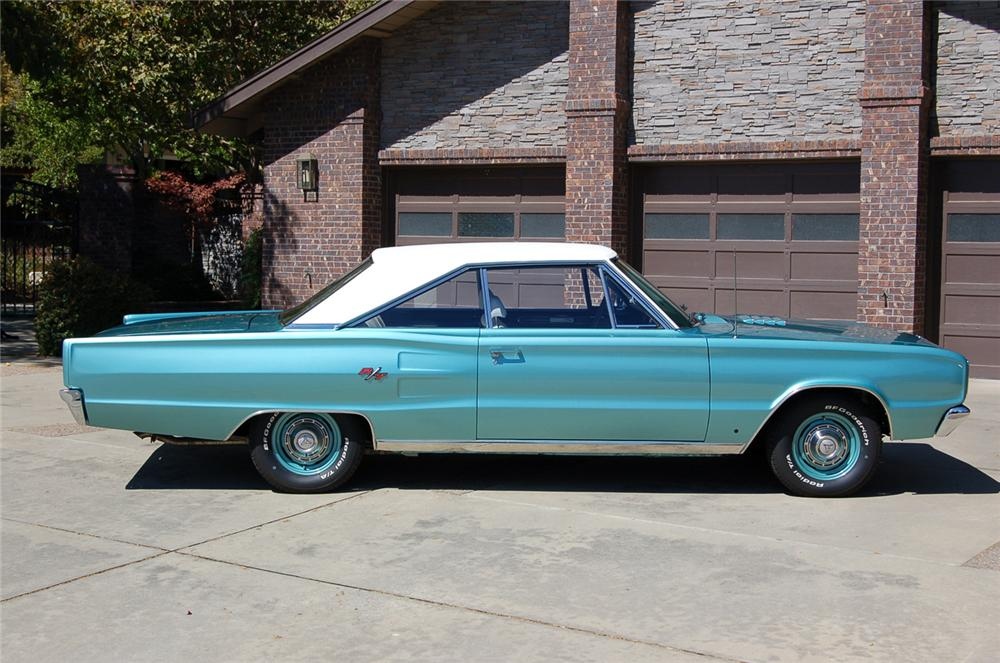 1967 DODGE CORONET R/T 2 DOOR HARDTOP - Side Profile - 61223