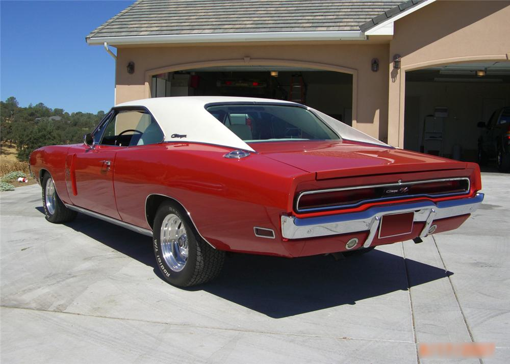 1970 DODGE CHARGER R/T 2 DOOR HARDTOP - Rear 3/4 - 61224