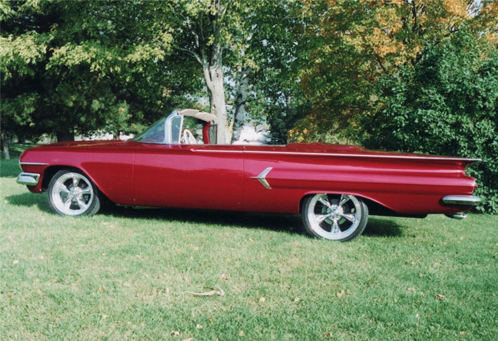 1960 CHEVROLET CUSTOM 2 DOOR CONVERTIBLE - Side Profile - 61229