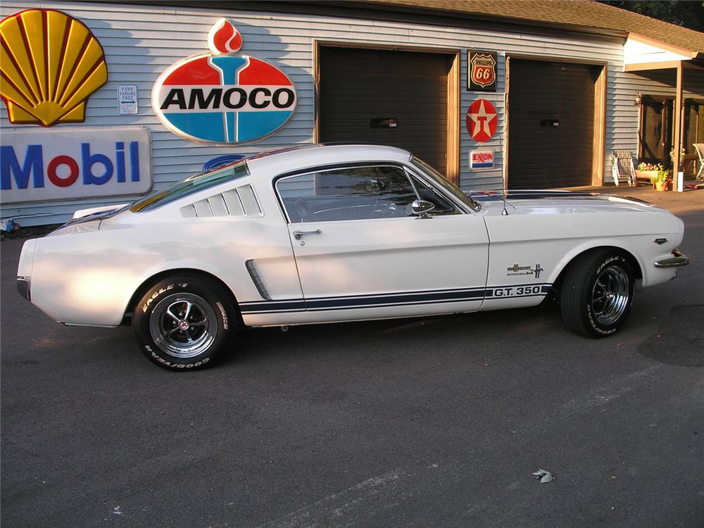 1965 SHELBY GT350 FASTBACK RE-CREATION - Front 3/4 - 61279