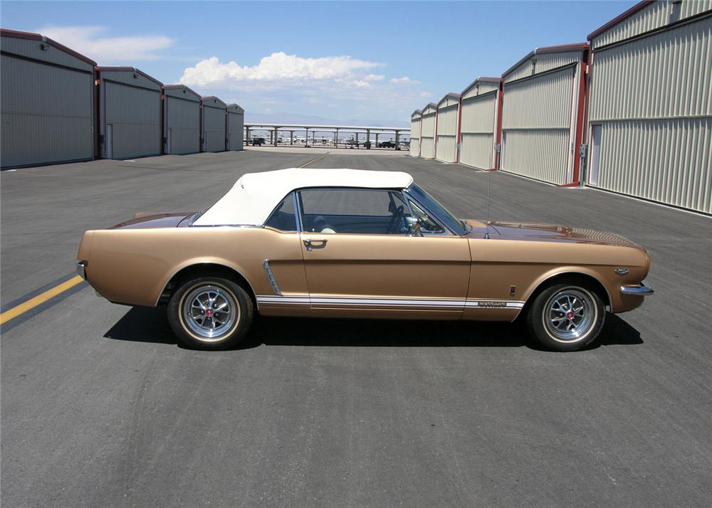 1965 FORD MUSTANG CONVERTIBLE - Side Profile - 61299