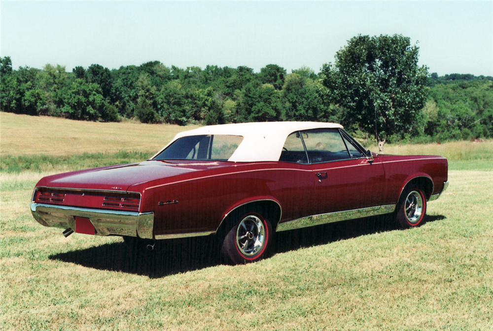 1967 PONTIAC GTO CONVERTIBLE - Rear 3/4 - 61306