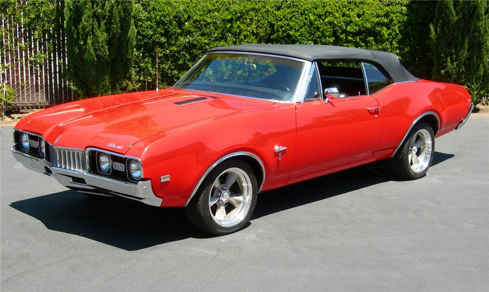 1968 OLDSMOBILE CUTLASS CONVERTIBLE - Front 3/4 - 61310