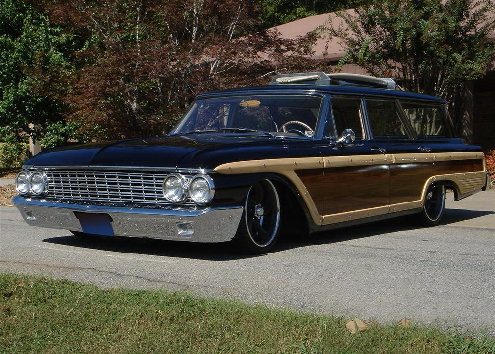 1962 FORD COUNTRY SQUIRE CUSTOM WAGON - Front 3/4 - 61345