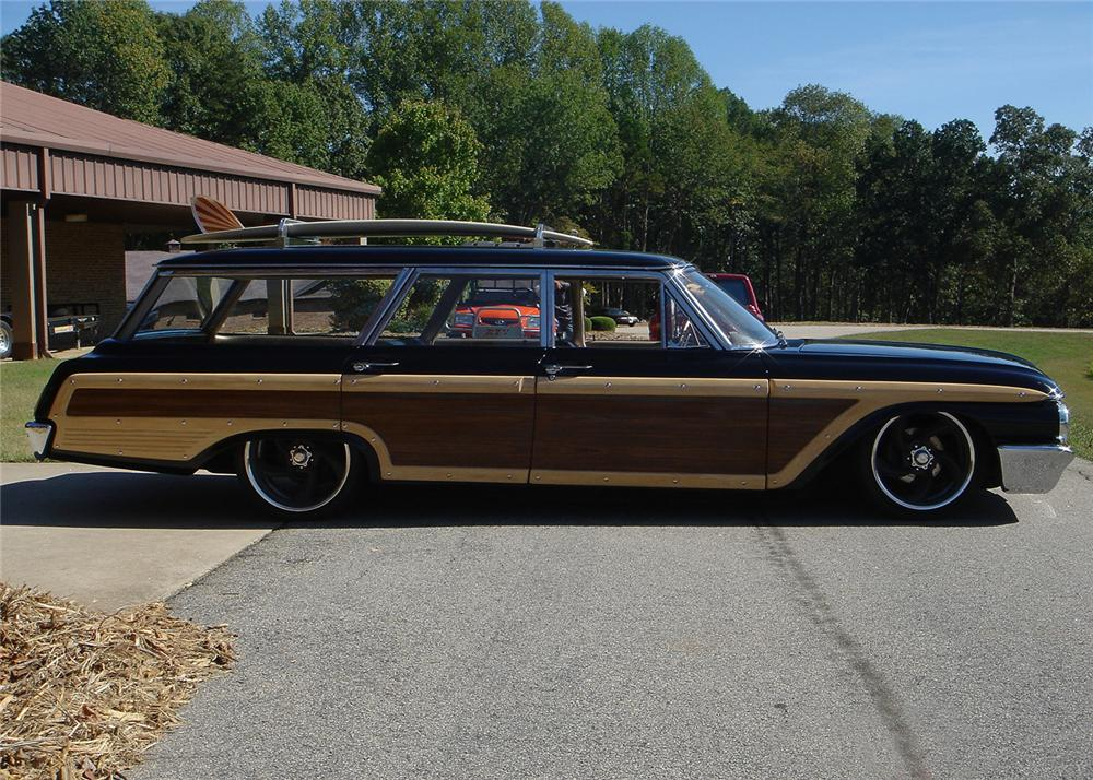 1962 FORD COUNTRY SQUIRE CUSTOM WAGON - Side Profile - 61345