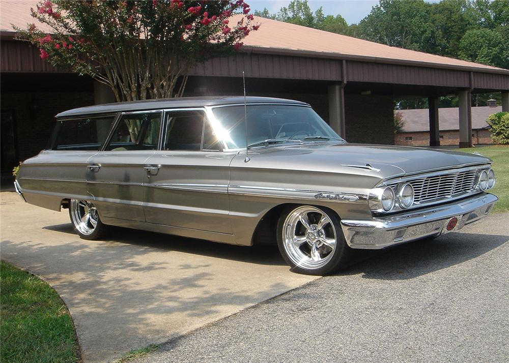 1964 FORD COUNTRY SEDAN CUSTOM STATION WAGON - Front 3/4 - 61346