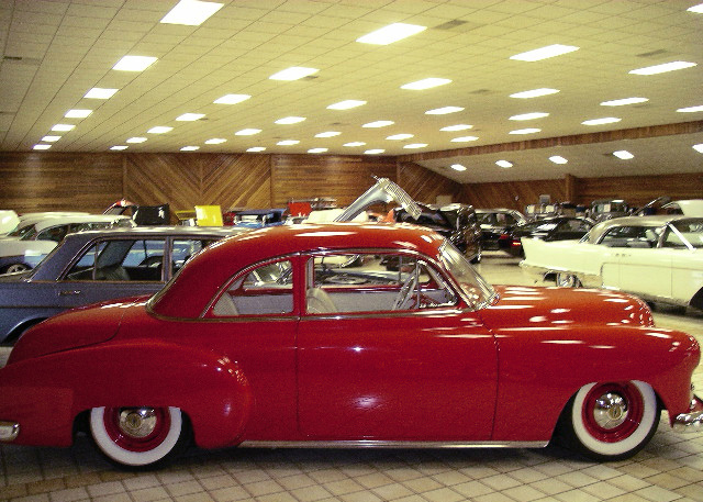 1950 CHEVROLET CUSTOM COUPE - Side Profile - 61347