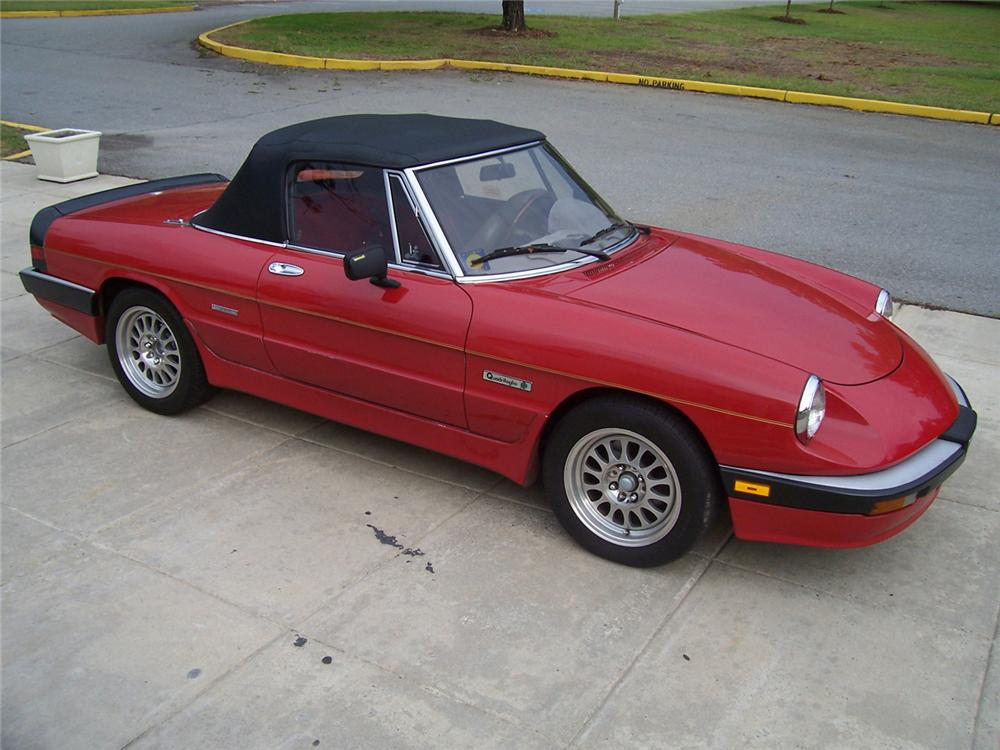 1986 alfa romeo spider convertible 61400. Black Bedroom Furniture Sets. Home Design Ideas