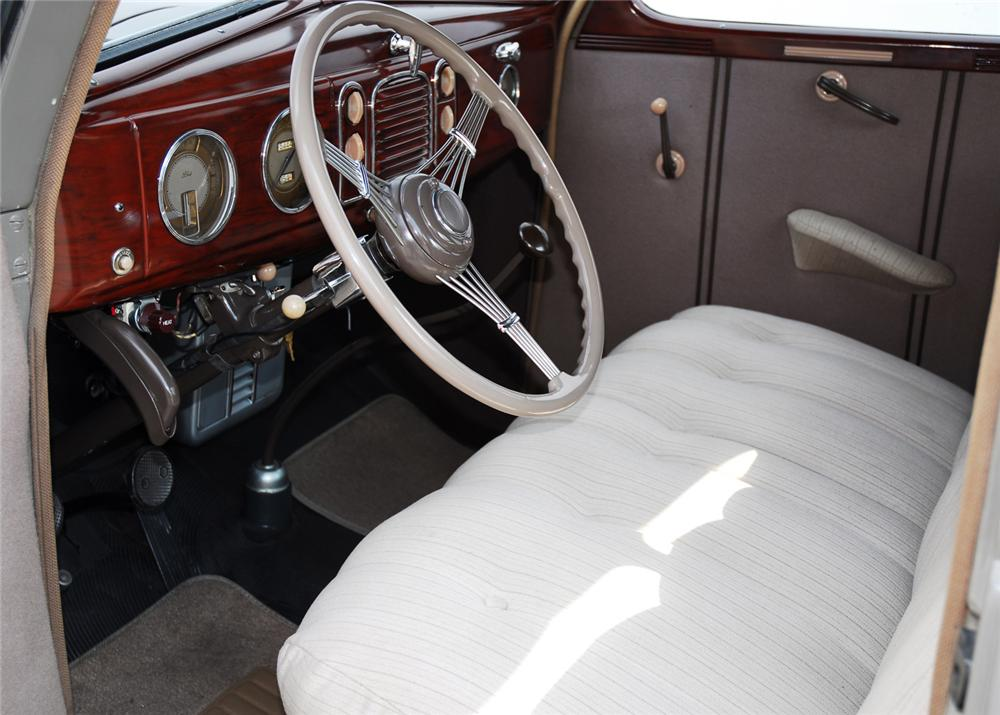 1938 FORD 5 WINDOW COUPE - Interior - 61415