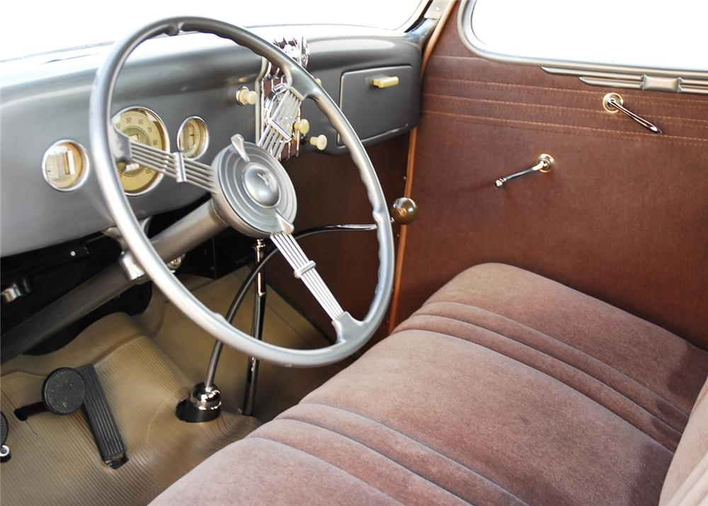 1935 FORD 3 WINDOW COUPE - Interior - 61423