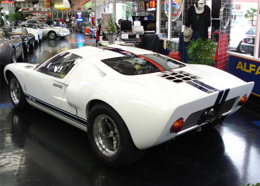 1966 SUPERFORMANCE FORD GT40 COUPE - Rear 3/4 - 61427
