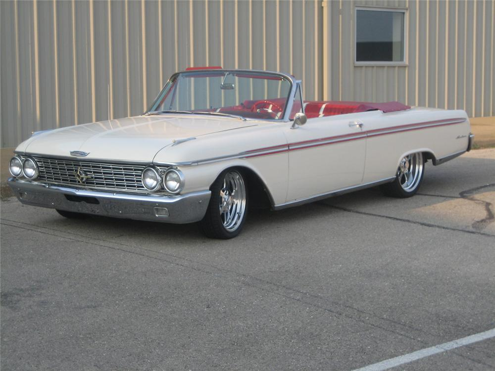 1962 FORD SUNLINER CONVERTIBLE - Front 3/4 - 61453