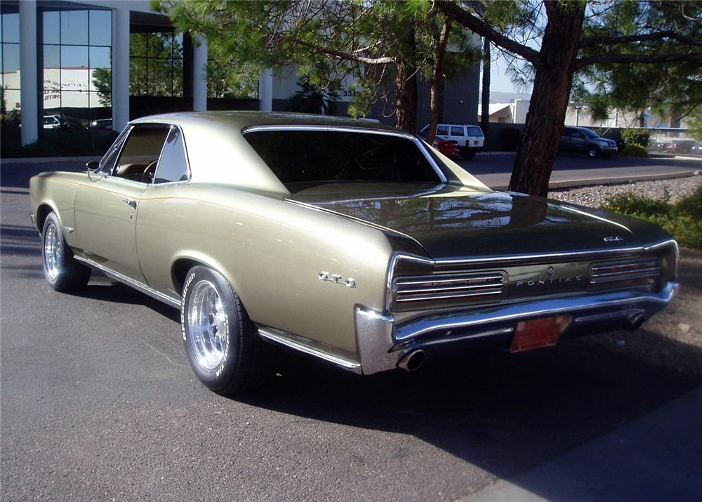1966 PONTIAC GTO 2 DOOR CUSTOM COUPE - Rear 3/4 - 61475