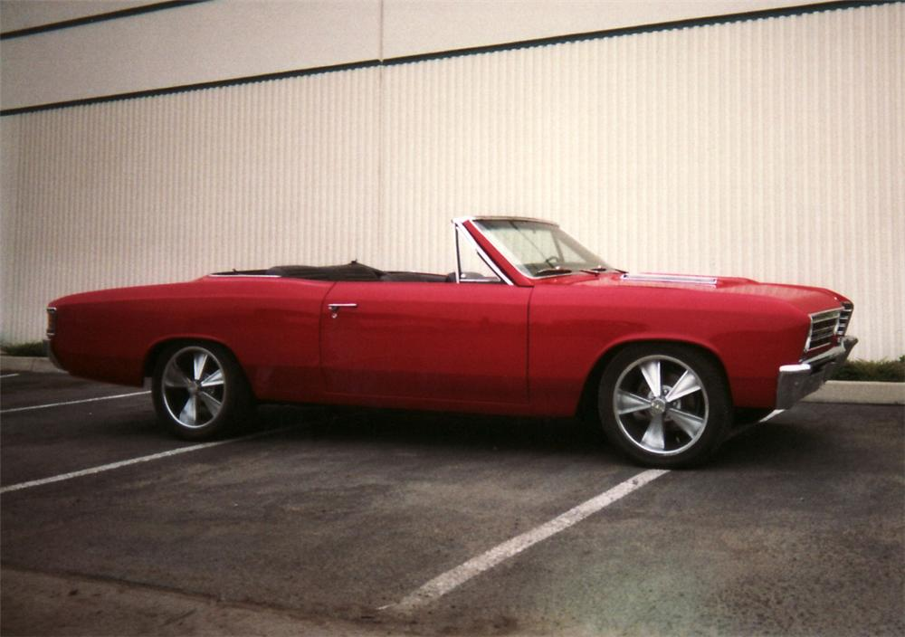1967 CHEVROLET CHEVELLE CONVERTIBLE - Front 3/4 - 61476