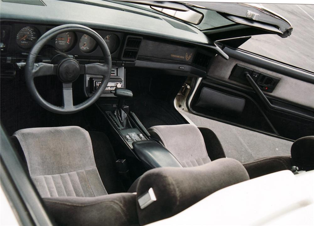 1985 PONTIAC TRANS AM CONVERTIBLE - Interior - 61511