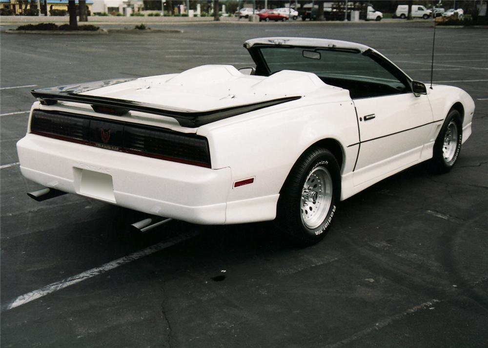 1985 PONTIAC TRANS AM CONVERTIBLE - Rear 3/4 - 61511