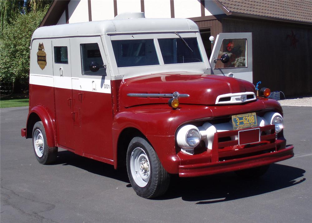 1952 FORD BANK ARMORED TRUCK 3/4-TON - Front 3/4 - 61512