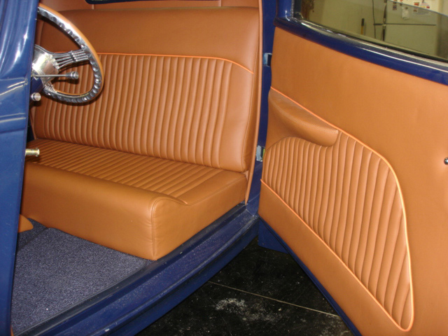 1932 FORD 2 DOOR CUSTOM COUPE - Interior - 61532