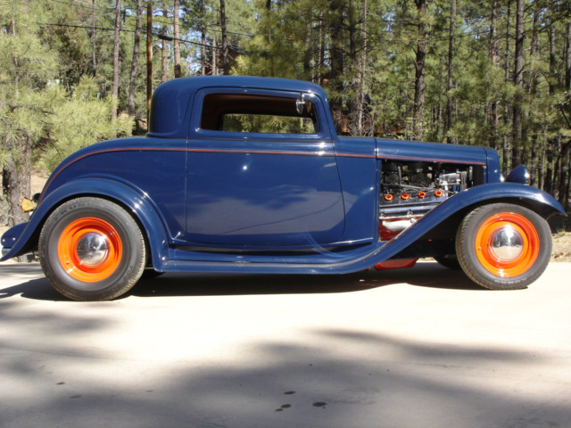1932 FORD 2 DOOR CUSTOM COUPE - Side Profile - 61532